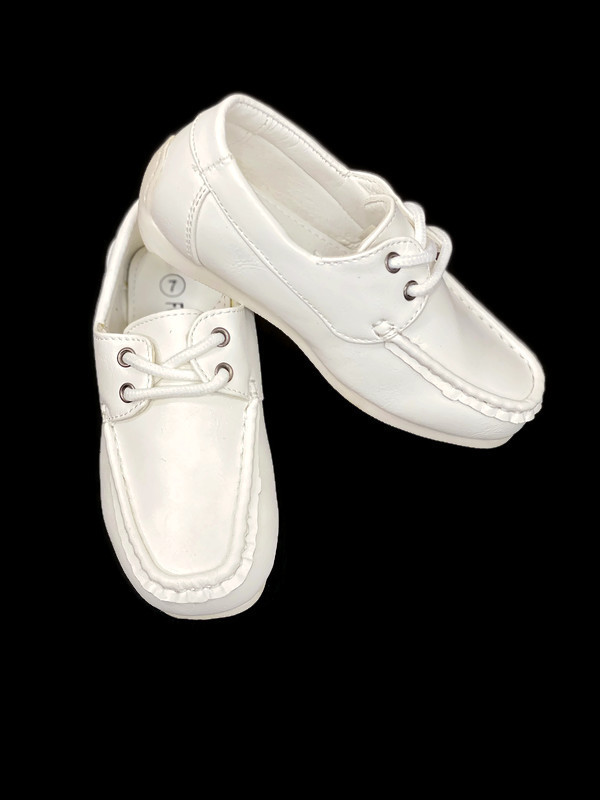 714 / WHITE. / WHITE SHOES